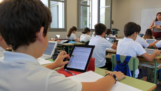 dispositivos-electronicos-colegios-kXu--620x349@abc